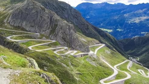Bei einem Ja am 28. Februar 2016 zur zweiten Röhre gibt es keine Kapazitätserweiterung und keinen Mehrverkehr auf der Gotthardachse. Im Gegenteil: Mit einem Ja schreiben wir die Kapazitätsbegrenzung im Gesetz fest.