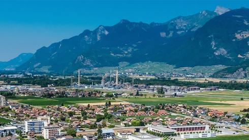 « Pour tout le Valais, la réforme fiscale est un enjeu de taille. L'enjeu est également capital pour les communes du Haut et du Bas-Valais. » Yannick Buttet, syndic de Collombey-Muraz (VS)