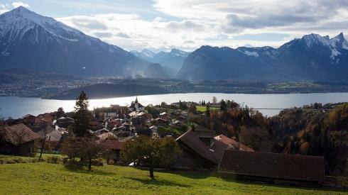 Gerade die KMU geprägte Schweizer Wirtschaft ist auf einen wettbewerbsfähigen Wirtschaftsstandort angewiesen. KMU auch in Gemeinden, die selber keine grossen internationalen Firmen haben, brauchen eine florierende Wirtschaft. Denn nur eine solche generiert Arbeit und Aufträge, von denen die KMU als Zulieferer und Partner profitieren.
