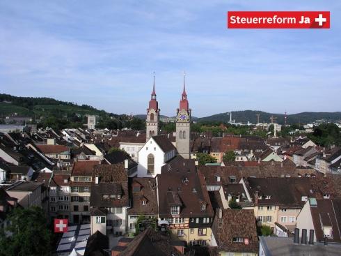 Gerade urbane Gebiete wie die Stadt Winterthur sind auf den Erhalt von Arbeitsplätzen und Steuereinnahmen angewiesen. Der Winterthurer Stadtpräsident Michael Künzle und Luigi Sorrentino, Geschäftsführer des grössten Arbeitgebers der Region, reden Klartext: Ein Ja zur Unternehmenssteuerreform III ist für die Zukunft der Stadt Winterthur und der ganzen Region von grosser Bedeutung.