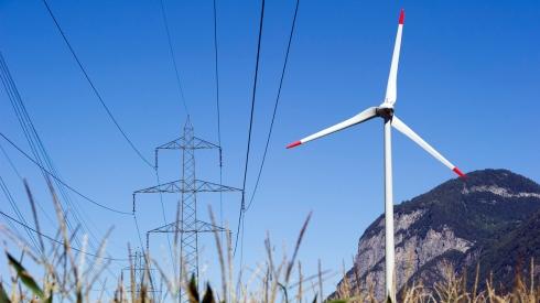 Die Gewerbekammer, das Parlament des Schweizer Gewerbes, hat die JA-Parole zum Energiegesetz beschlossen. Dies anerkennt, dass die Energiestrategie gegenüber dem Status Quo Schritte in die richtige Richtung macht: Weniger Subventionen, mehr Markt und mehr Wettbewerb.